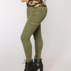 NWOT Fashion Nova Olive Green Cargo Skinny 11